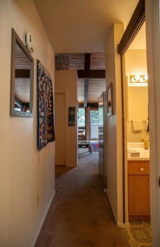 Condo-14-sierra-del-sol-Hallway